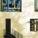 Moderné fasády musia odolať plesňám a poveternosti