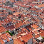 Plochá strecha alebo šikmá ? akú strechu si vybrať ?